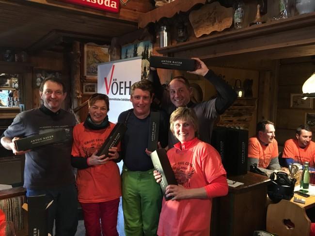 Auf dem zweiten Platz landete die Gruppe mit Monika Burtscher, Franz Zorn, Michael Neubauer, Roland Buder (nicht im Bild: Reinhold Trittner). Obfrau Christa Pachler überreichte die Preise.